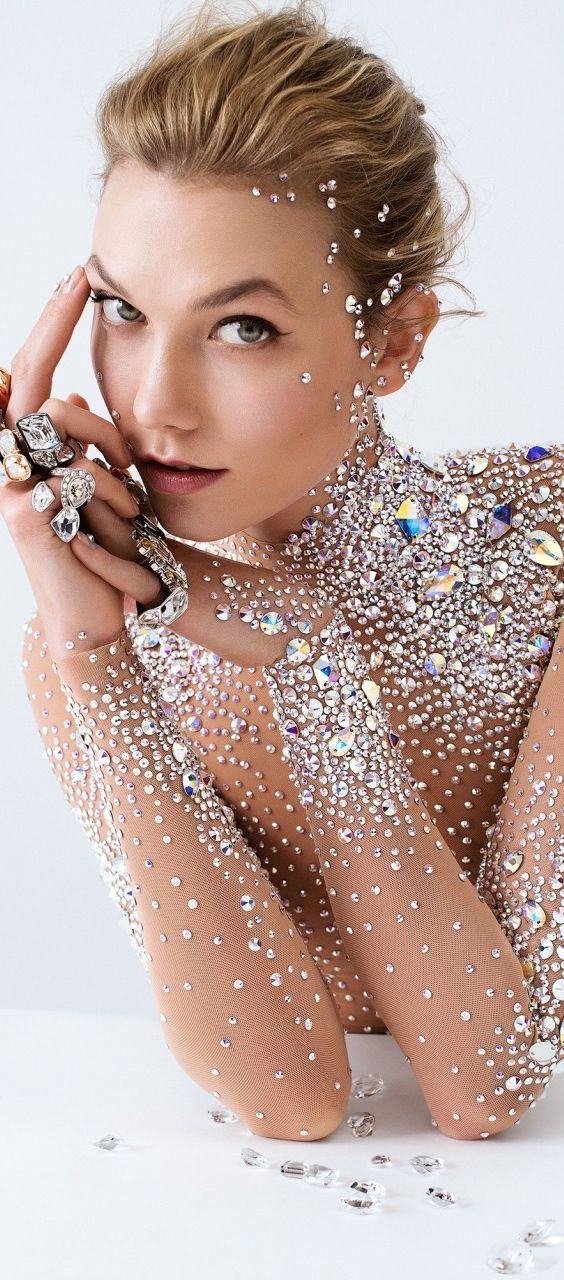 Gonna dress you up in my jewels ... all over your body!