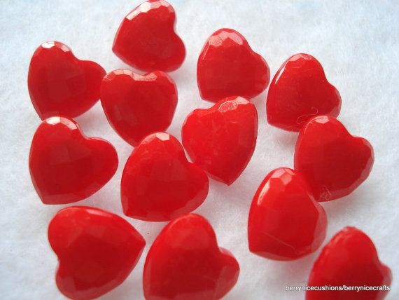 14mm Red Heart Buttons Pack of  20 Heart Shaped by berrynicecrafts, £1.35