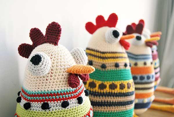 Hen sisters amigurumi pattern by De Estraperlo
