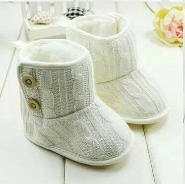Baby knit boots