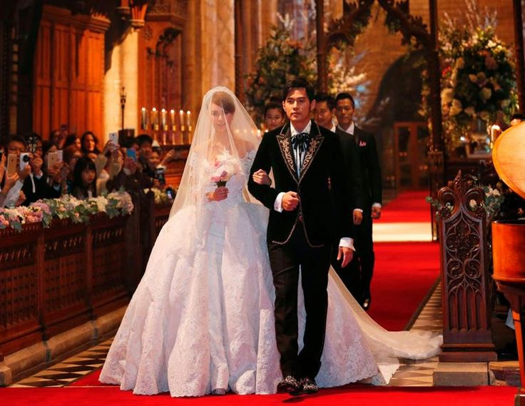 Jay Chou, Hannah Quinlivan get married in UK | China Entertainment News