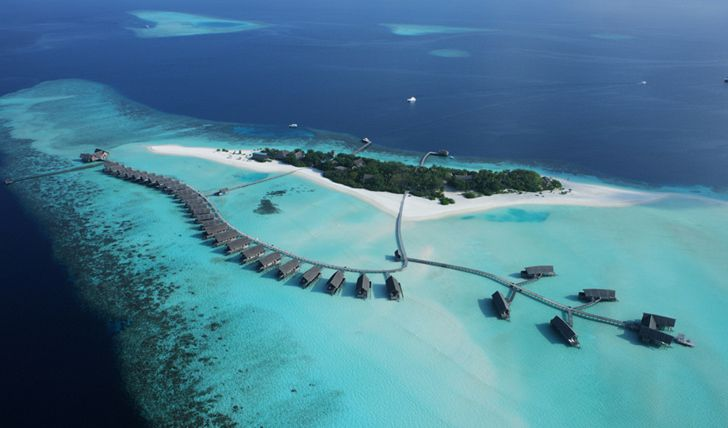 This experience combines an idyllic island lagoon in the Maldives with the unique culture, colonial history, and jaw dropping beaches of Sri Lanka.