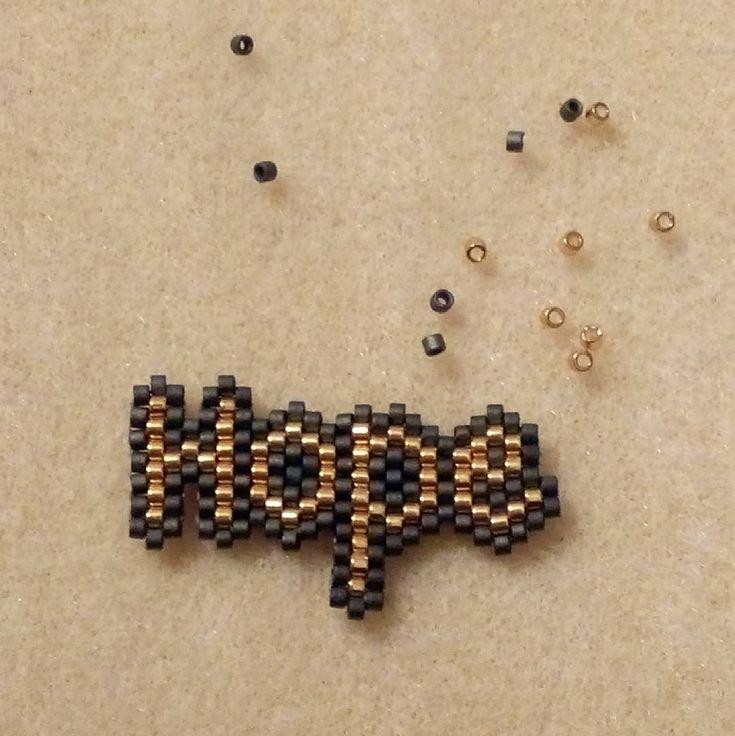 Et voilà un de mes premiers motifs #hope #espoir #miyukidelicas #miyuki #jenfiledesperlesetjassume #jenfiledesperlesetjaimeca #motifmariepilard #brickstitch #mondiyamoi #perleaddict #perleaddictannonyme #miyukibeads