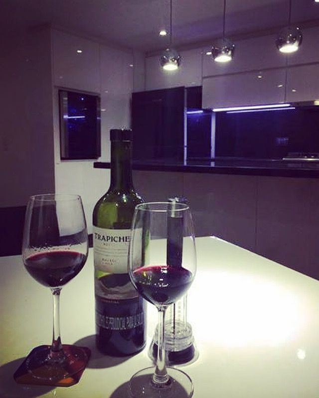 Tu cocina también puede ser un lugar para un encuentro romántico  No te quedes con los antojos, comunícate con nosotros  311 5651923