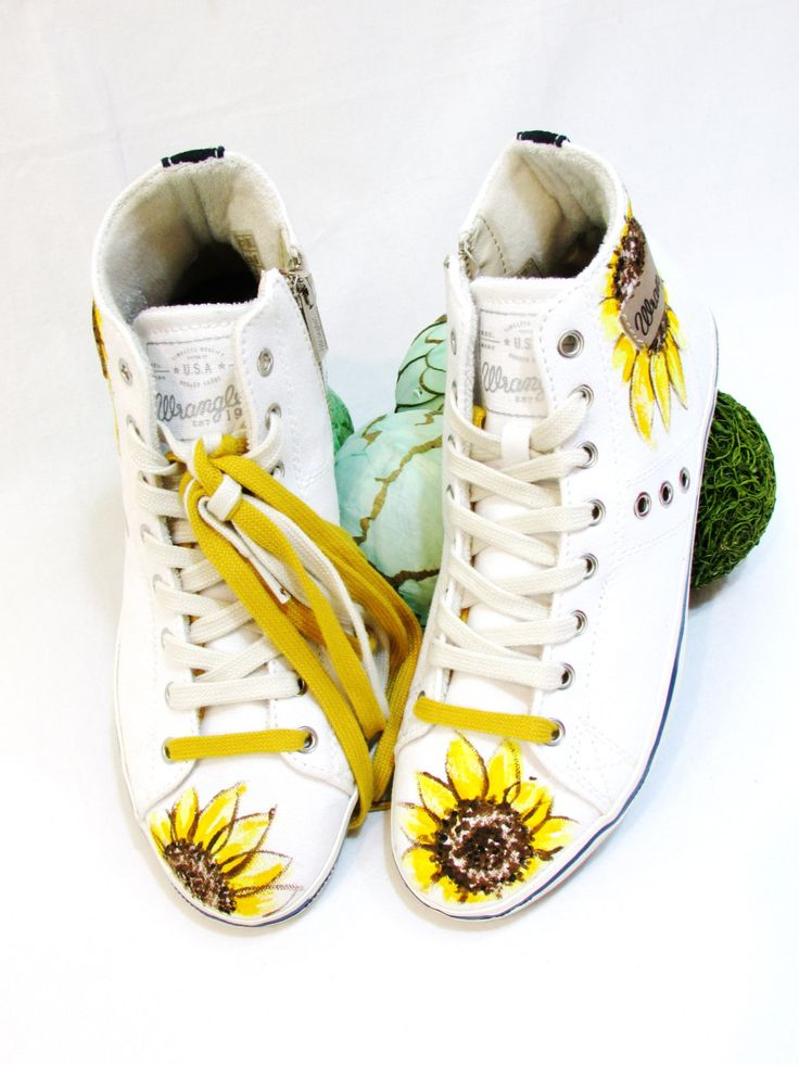 scarpe wrangler  sunflower di TATIANVOSCH su Etsy