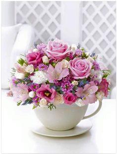 Una linda tácita, que en vez de café ¡tiene flores!