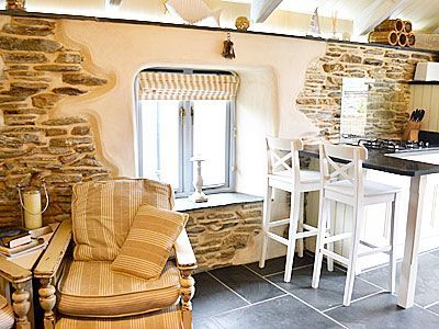#NewquayHolidayCottage #Cornwallholiday  This converted detached holiday cottage is set in a secluded peaceful courtyard, only seconds from Porth beach with its beachfront pub. Newquay is just minutes away with its beaches, cinema, leisure centre, golf course, pitch 'n' putt course, parks and gardens, sea fishing trips and dramatic cliff-top walks.  http://www.chooseacottage.co.uk/cwa/driftwood-tnz