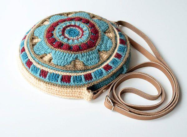 Wheel of Magic Mandala Bag crochet by Lilla Bjorn Crochet
