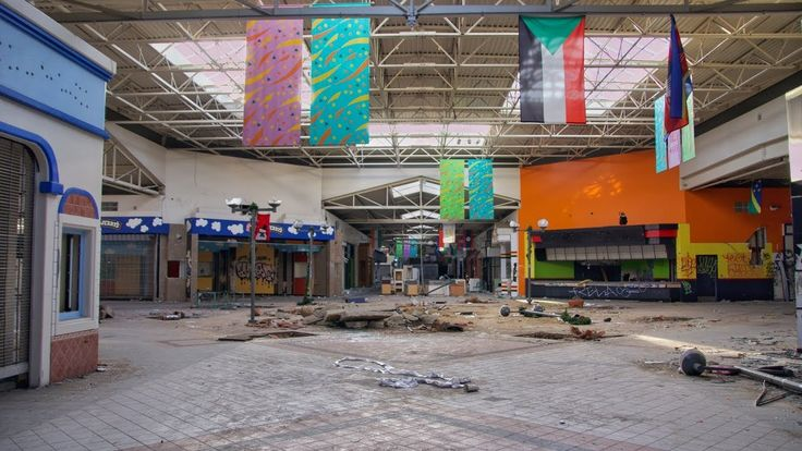 Abandoned mall california found perfect movie theater
