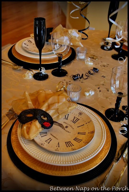 New-Years-Tablescapes-Table-Settings  http://betweennapsontheporch.net/a-new-years-table-setting-with-pottery-barn-clock-plates/