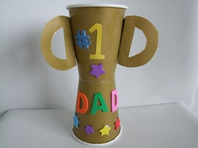 Manualidades para niños preescolares: Copa Trofeo del Día del Padre [ Preschool Crafts for Kids*: Father's Day Trophy Cup ]