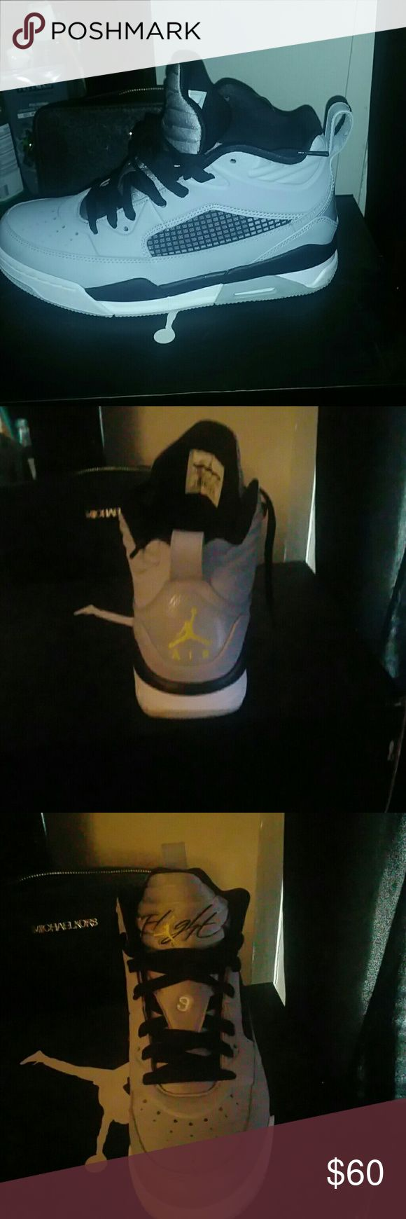 Jordan flight 9.5 BG Kids size. ..good condition i wore them a couple of times. Jordan Shoes Sneakers