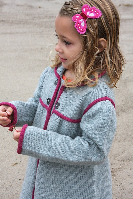 I die... this may be the sweetest little sweater coat I've ever seen... must make asap... Ravelry: izzyinspired's Redingote
