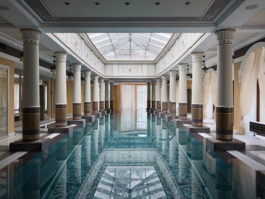 1000 Ideas About Indoor Swimming Pools On Pinterest