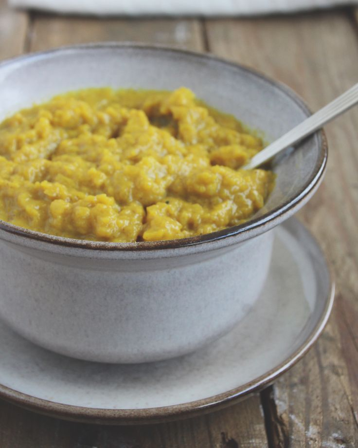 Deze mangochutney is een smaakmaker in de Indiase keuken. Een chutney is een puree van vruchten. Hier worden verschillende kruiden aan toegevoegd als smaakmaker. #mangochutney www.eatpurelove.nl