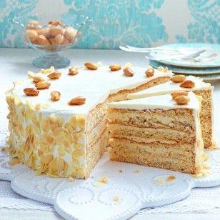 Torten-Rezepte: Buttercreme-Torte mit gebrannten Mandeln