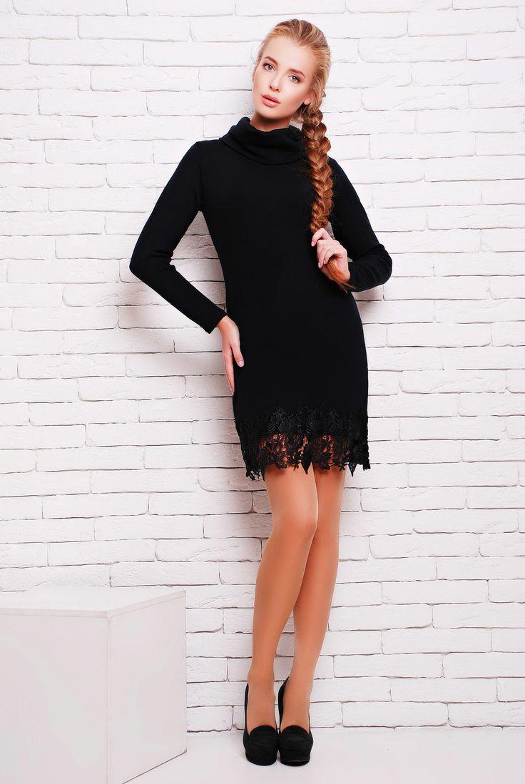 """Платье с черным кружевом цвет черный  ПАТИ -  элегантное однотонное платье из мягкой ангоры полуприлегающего силуэта с красивым кружевным декором по низу переда. Платье в длине мини. Воротник - """"хомут"""". Платье подходит как для повседневного гардероба, и как более вечерний вариант."""