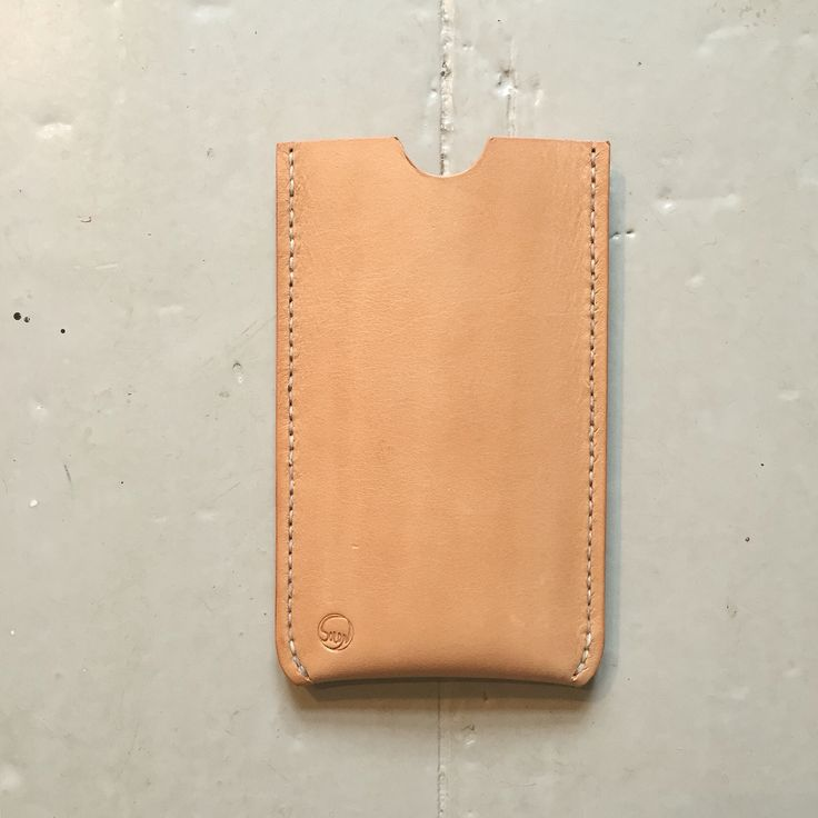 iPhone 6 cover  Handcrafted fullgrain leather.