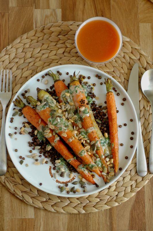 Carottes nouvelles rôties, sauce noix de cajou & herbes, graines sur lit de lentilles vertes_2