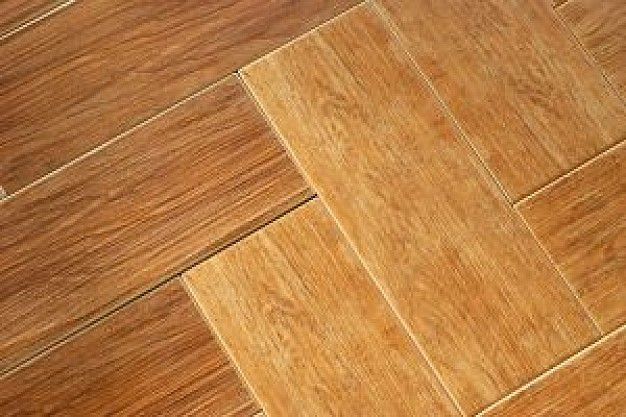 Nettoyer un parquet en bois, enlever tous les types de tâches, avec un nettoyant naturel, les méthodes et produits pour un parfait nettoyage