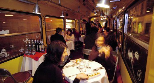 Cena tram Torino - Prenota una cena sul tram a Torino.