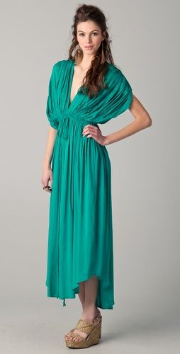 love the dress. Reminds me of ancient Rome. Adore the color.