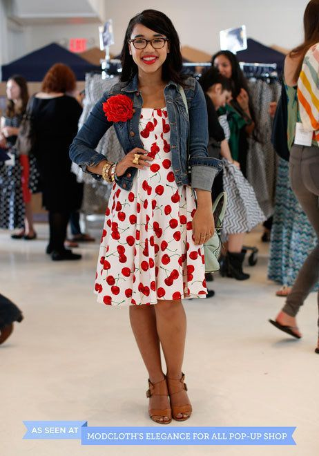 This attendee of our recent pop-up event added extra pizzazz to her Pull Up a Cherry Dress with a bright red flower brooch.
