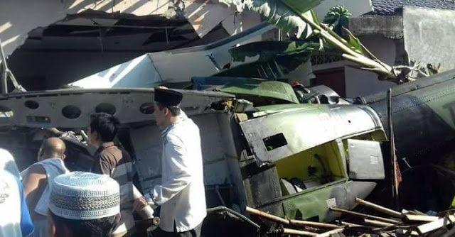 INNA LILLAHI, Ada Helikopter TNI AD Jatuh Timpa 2 Rumah Warga Di Sleman  Ada 6 orang korban dalam kecelakaan helikopter ini, 3 di antaranya telah dinyatakan meninggal dunia. Semoga keluarga yang ditinggalkan diberikan ketabahan. Aamiin
