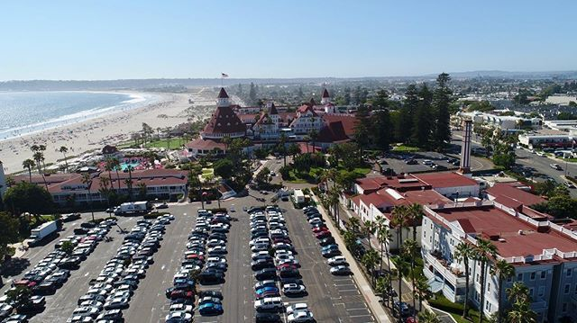 #coronado #coronadohotel #delcoronado @delcoronado many more pics and vids to come of this #worldfamous #hotel #forhire #followme for #diversity tag #droneeverything ⌘++++⌨️++=   #aerial #drone #drones #dronevideo #dronevideos #dji #dron