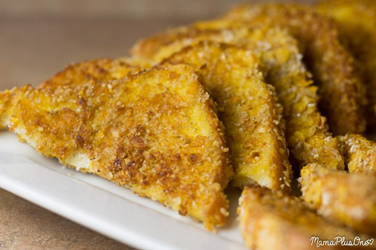 If you LOVE double dipped french toast from IHOP, you'll love this IHOP copycat recipe you can make at home! Their double dipped french toast is seasonal, but you can enjoy this all year round! Just coat your favorite bread in an extra crunchy topping, fry, and serve! Easy-peasy. | IHOP copycat | Breakfast Recipe |