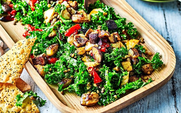 Healthy lunches don't have to taste boring. This vegan eggplant, kale and lentil salad recipe is packed full of goodness to keep you full until dinner time.