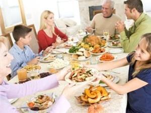 Mengajarkan Table Manner pada Anak | Tata Krama di Saat Makan