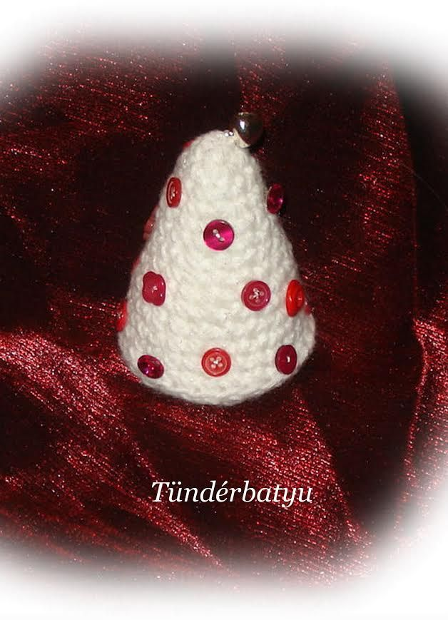White christmastree with buttons http://www.facebook.com/tunderbatyu
