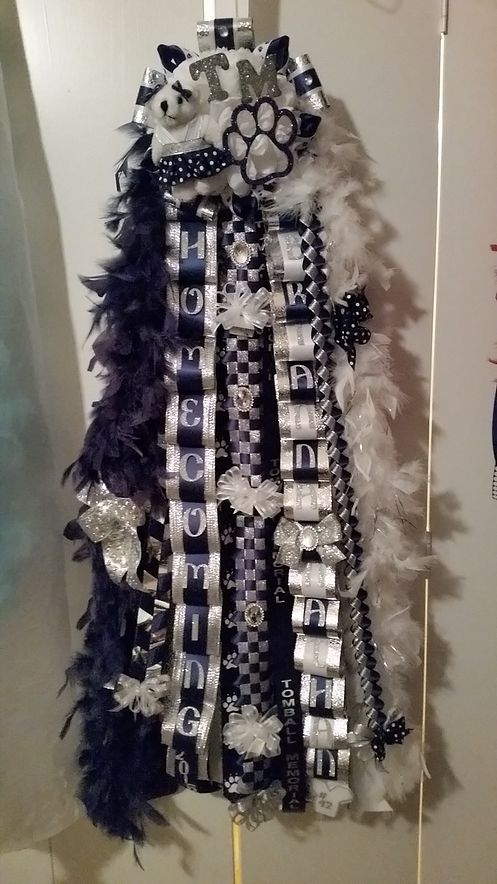 Homecoming mums and garters with unique, award-winning designs. We are based in Cypress, TX and we ship nationwide.