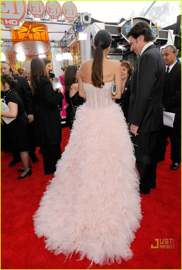 angie harmon jason sehorn sag awards 2011 02 Angie Harmon is a vision on the red carpet at the 2011 Screen Actors Guild Awards held at the Shrine Auditorium on Sunday (January 30) in Los Angeles.    The 38-year-old…