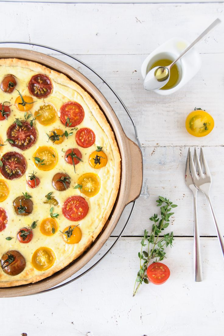 tomatenquiche mit parmesanmürbeteigboden und ziegenfrischkäsefüllung