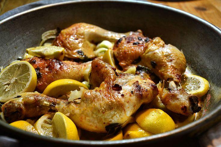 Huhn in Wein mit Zitrone und Kapern