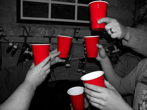 Google Afbeeldingen resultaat voor http://www.partyroo.com.au/images/products/party-school-red-cups.jpg