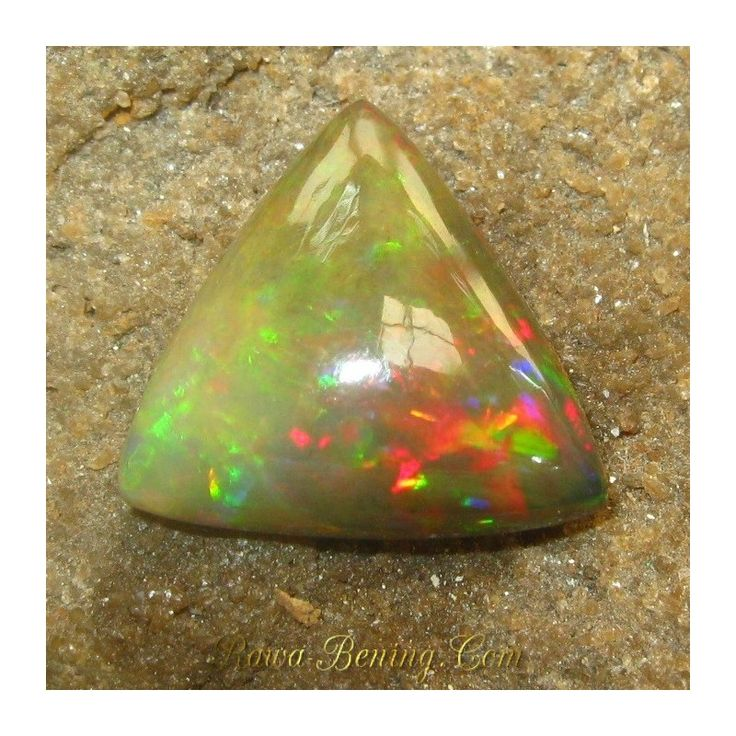 Jual Batu Mulia Natural Black Opal Triliant Cut Multi Color 6.25 Carat