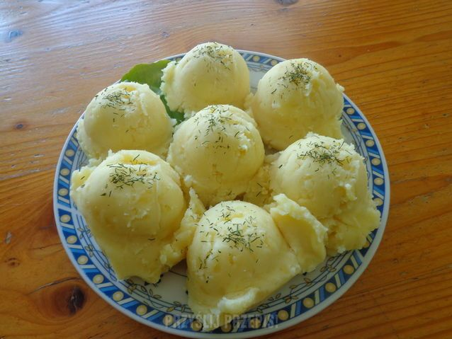 ziemniaki tłuczone z masłem i mlekiem