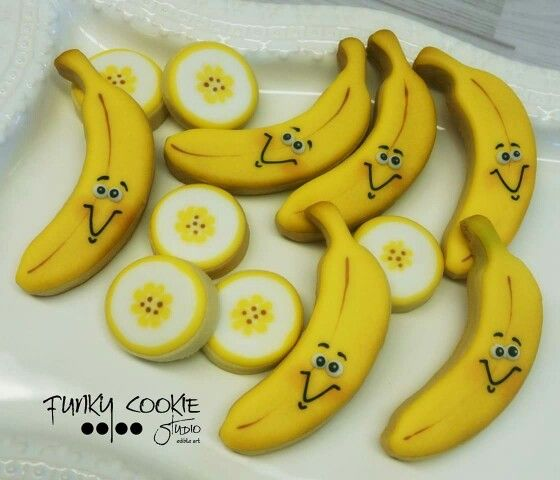 Bananas and banana slices decorated cookies. Yummie