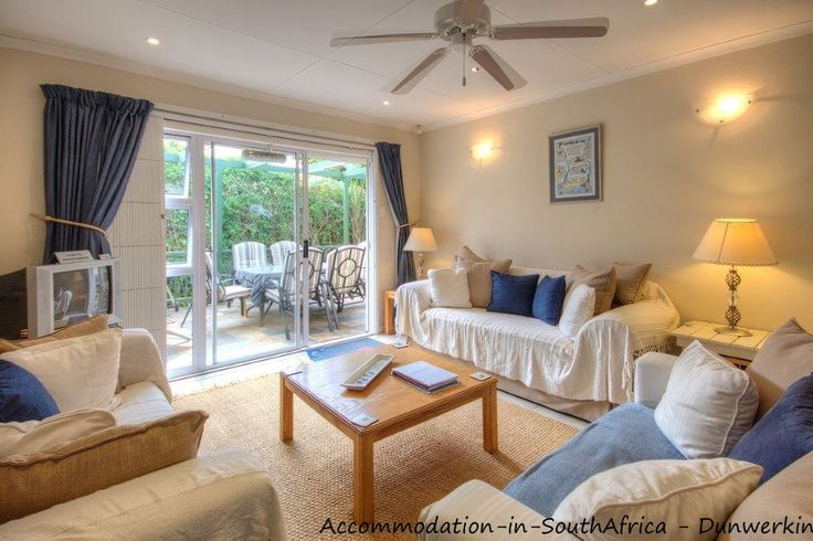 Spacious and very neat accommodation at Dunwerkin Accommodation. Self-catering Kenton-on-Sea.
