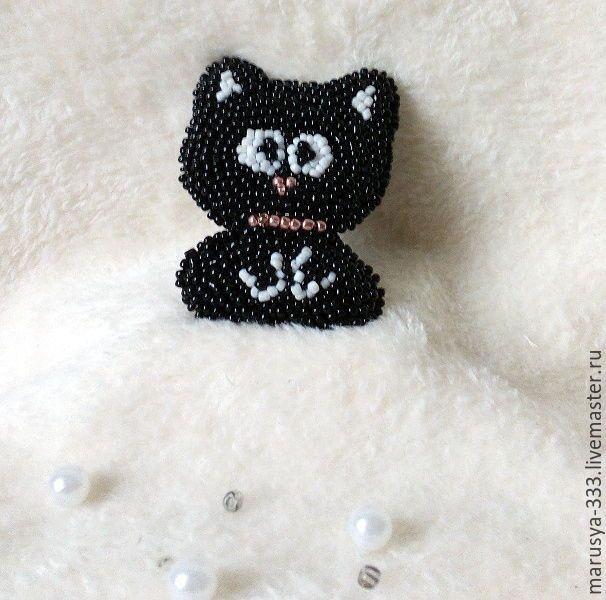 Купить Брошь вышитая бисером Чёрный Котёнок - чёрно-белый, брошь ручной работы