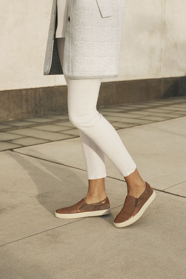 Street style that fits right into your comfort zone. #startwithshoes