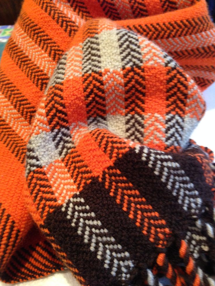 Child's blanket, woven in herringbone twill