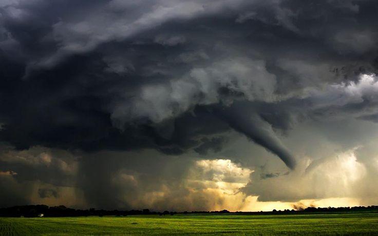 Backgrounds-tornado-wallpapers-hd-tornado-wallpaper-photos-07.jpg (1440×900)