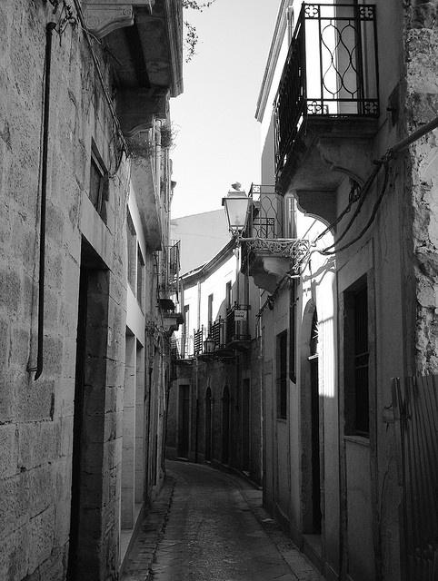 The narrow streets of Salemi