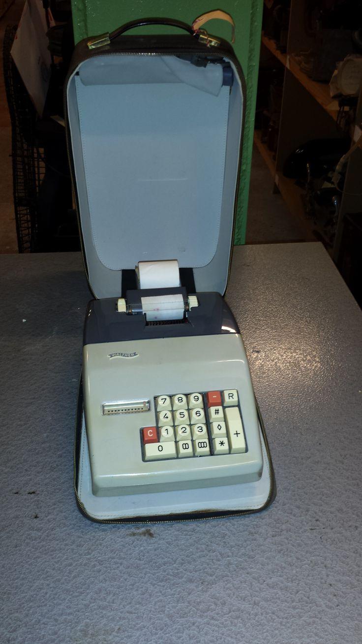 Transportabel regnemaskine anvendt i Toldvæsenet 1970'erne/1980'erne.