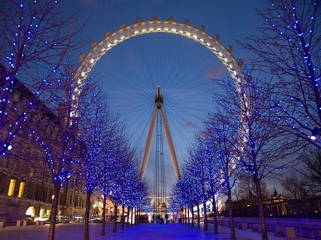 The Londen Eye by night