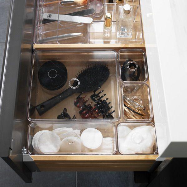 cosmetics-organizing-in-bathroom6-2